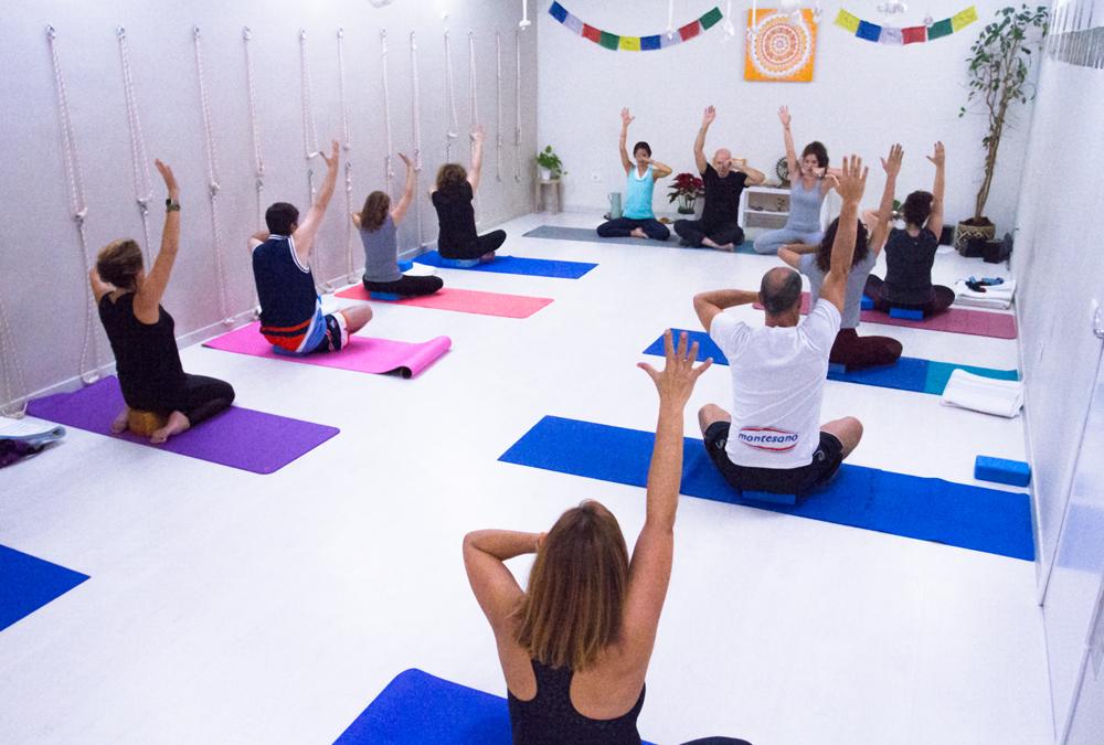ama-yoga-tenerife-terapeutico-clases-meditacion