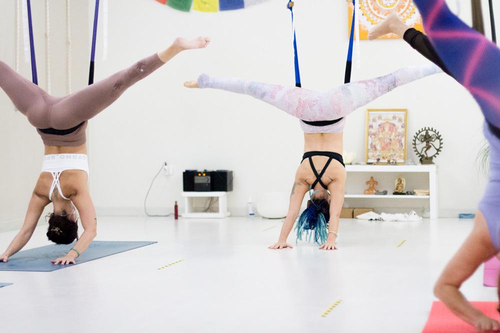 ama-yoga-tenerife-clases-flyhighyoga-fhy